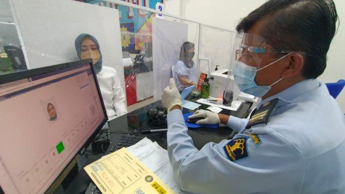 Pandemi Melandai, Bikin Paspor di Surabaya Masih Dibatasi 16 Pemohon Setiap Hari