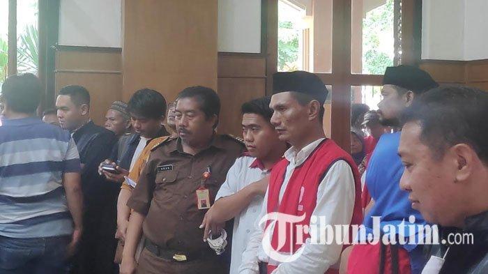 Sesal Pelaku Bakar Istri Saat Disidang di PN Surabaya, Rugi Banyak Jadi Terdakwa: Toko Sudah Dijual