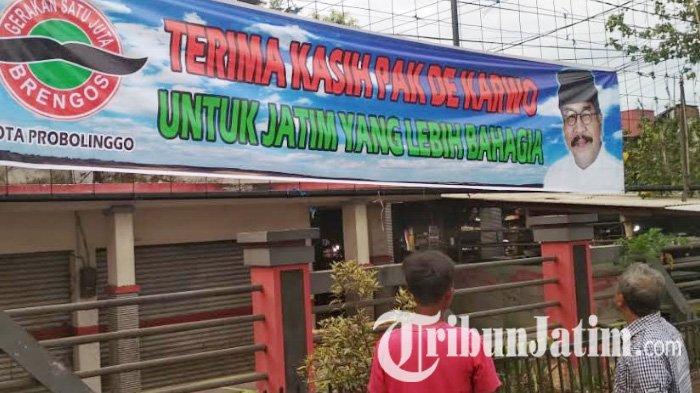 Banner Ucapan Terima Kasih Pakde Karwo Mulai Bertebaran, Satu Juta Brengos: Tak Terkait Cawapres