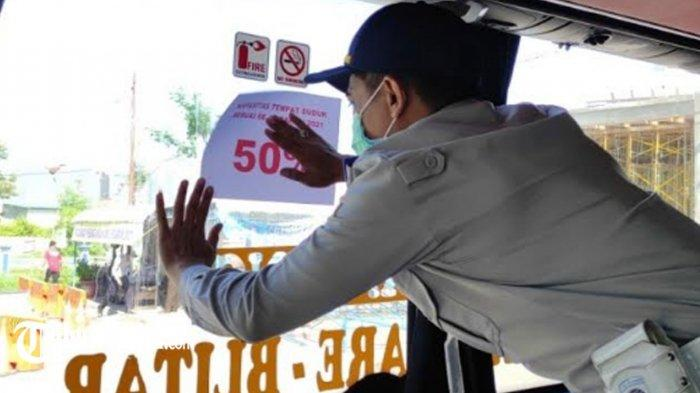 Wajib! Penumpang Bus AKAP di Terminal Patria Kota Blitar Tunjukan Kartu Vaksinasi dan Hasil Tes Swab