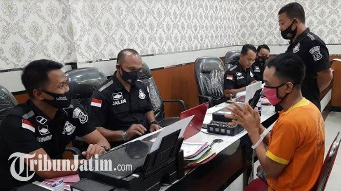 Buron Curanmor Asyik Ngopi di Surabaya, Polisi Gercep Keler Pria 37 Tahun Ini keMapolres Lamongan