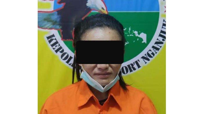 Nyambi Edarkan Sabu, Seorang Ibu Rumah Tangga di Nganjuk Ditangkap Polisi