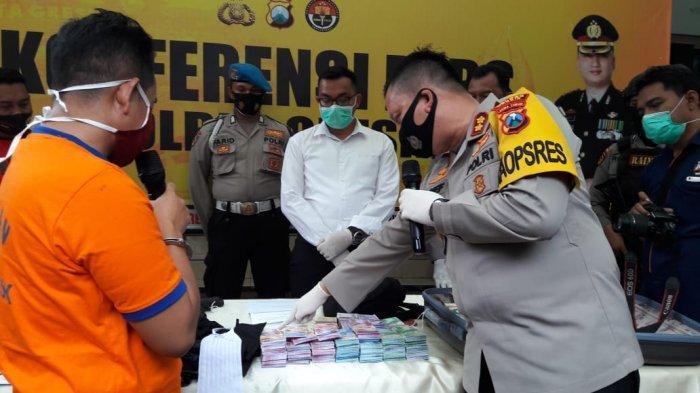 Pura-pura Jadi Anggota KPK dan Polda Jatim, Pelaku Penipuan Dicokok Polisi Saat Makan Soto di Gresik