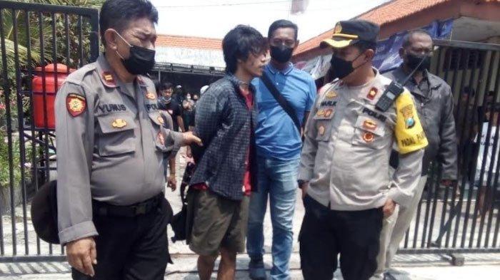 Siasat Pemuda di Surabaya Rampas HP Korban yang Duduk di Samping Sopir, Nyaris Kritis Dihajar Massa