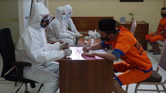 Polda Jatim Gagas 'Si Mata Hati', Jadi Jembatan Tahanan Temui Keluarga di Tengah Pandemi Covid-19