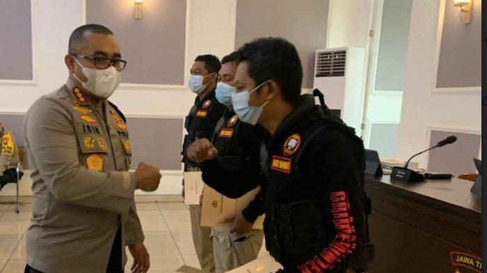 Tangkap Pelaku Kejahatan Hingga Terluka, 4 Polisi Dapat Penghargaan dari Polrestabes Surabaya