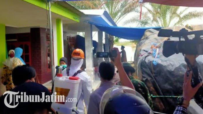 Satgas Penanganan Covid-19 Sterilisasi 10 Rumah Keluarga yang Ambil Paksa Jenazah di Sumenep