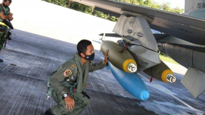 Asah Naluri Tempur, Fighter Udara Iswahjudi Magetan Lakukan Pemboman di Lumajang