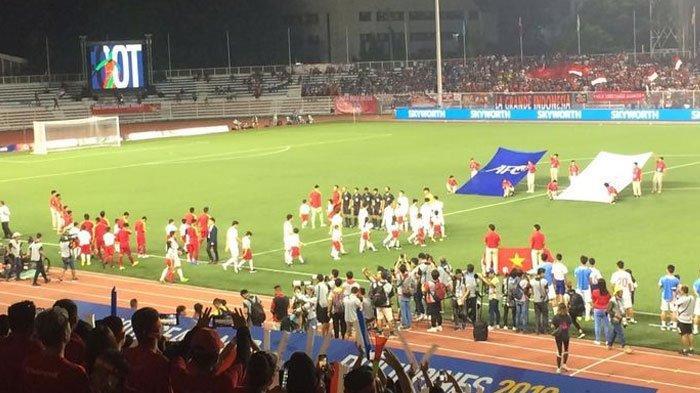 Timnas U-22 Indonesia Hanya Terima Medali Perak, Evan Dimas Pakai Kursi Roda