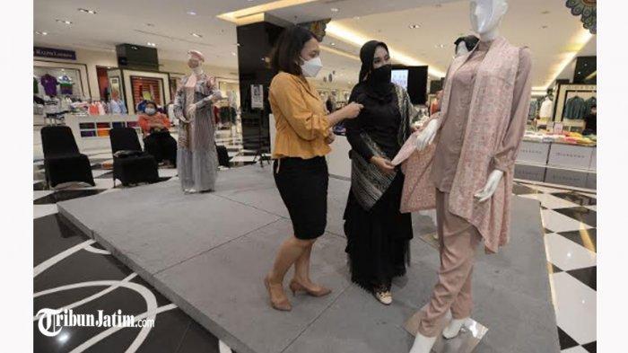 Busana Layer Tren Idul Fitri Idul Fitri 1442 H, Simak Tip Menumpuk Bahan Ala Desainer Arinda Nurma