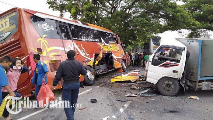 Kesaksian Kernet Bus Sugeng Rahayu Ditabrak TrukMuatan Gas di Madiun, Sopir Bus Sempat Menghindar