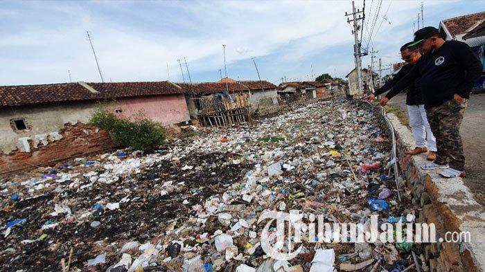 Tanggapi Keluhan Masyarakat di Medsos, Wakil Ketua DPRD Pasuruan dan Jajaran Sidak Tumpukan Sampah