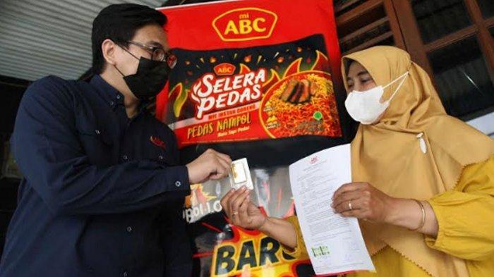Temukan Emas Murni 100 Gram di Bungukus Mi, Pedagang Kios Kecil Bandung Beri THR Penjual Nasgor
