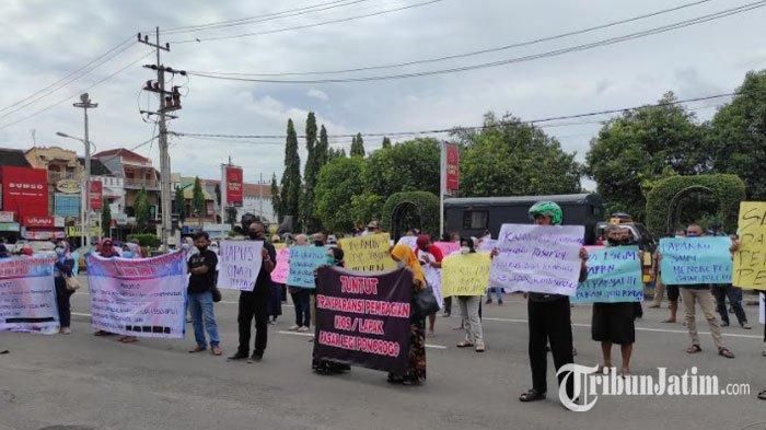 BREAKING NEWS: Unjuk Rasa Pedagang Pasar Legi Ponorogo Tuntut Pembagian Lapak Adil dan Transparan