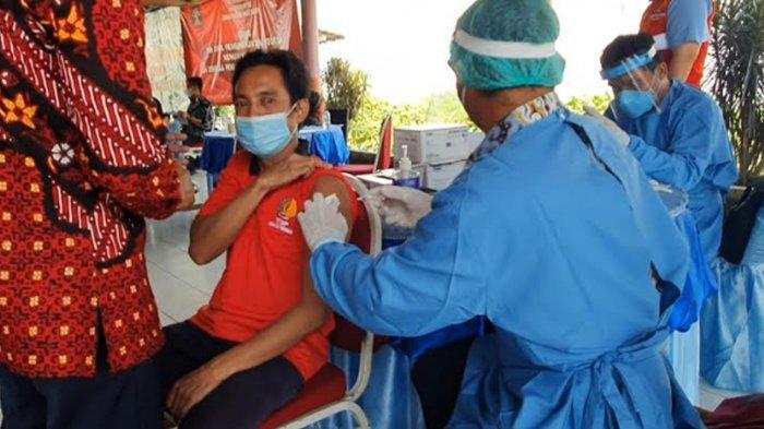 Lapas Kelas I Surabaya Dapat 2100 Dosis Vaksin Sinovac, WBP Jalani Vaksinasi Covid-19 Tahap Pertama