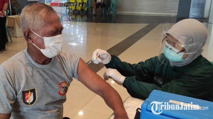 Vaksinasi AstraZeneca untuk Lansia Dilanjutkan, Dinkes Ponorogo Sediakan 5 Ribu Dosis