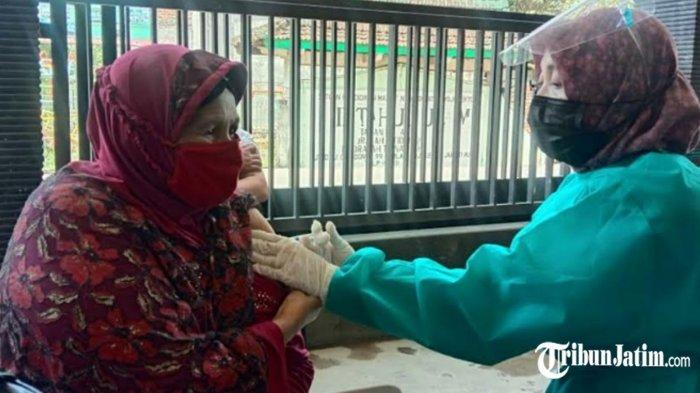 CJH Kabupaten Mojokerto Vaksinasi Covid-19, Siap Jika Pemerintah Arab Saudi Perbolehkan Tahun Ini