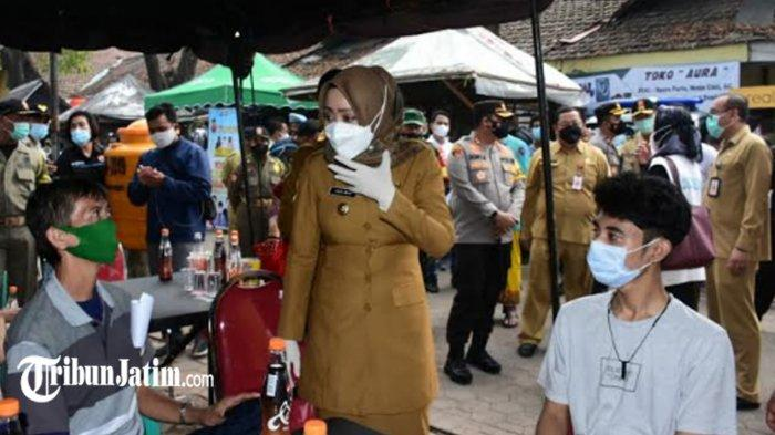 Antisipasi Covid-19 Klaster Pasar di Mojokerto, 200 Pedagang Pasar Legi Mojosari Jalani Vaksinasi