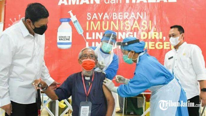 135 Tokoh Agama Kota Kediri Jalani Vaksinasi Covid-19, Dipantau Langsung Wali Kota Mas Abu