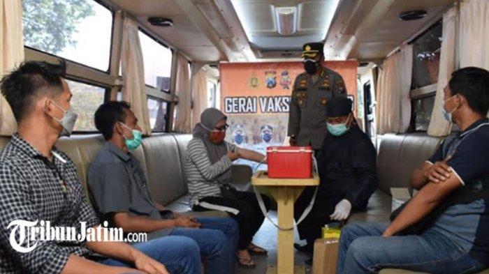 Vaksinasi Covid-19 Tiap Hari untuk Pelaku UMKM Sidoarjo, Maksimalkan Pengoperasian Bus Mobile Vaksin
