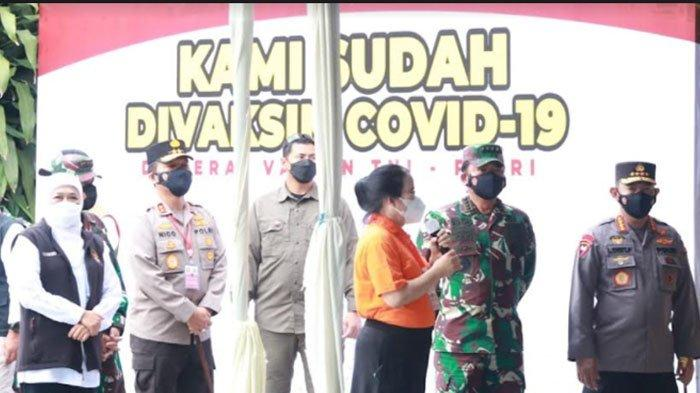 Panglima TNI-Kapolri Tinjau Serbuan Vaksinasi di SMAK Cor Jesu Kota Malang