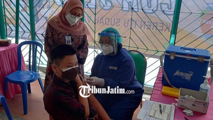 Serbuan Vaksinasi Di SMAK Cor Jesu, Berbagi Juga Untuk SMA Islam dan SMAK Frateran