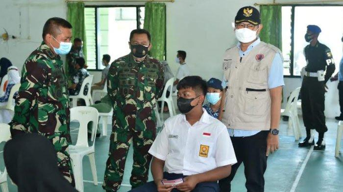 Siswa SMP-SMA Anak Prajurit Serbu Program Vaksinasi yang Digelar di Makodim Lamongan