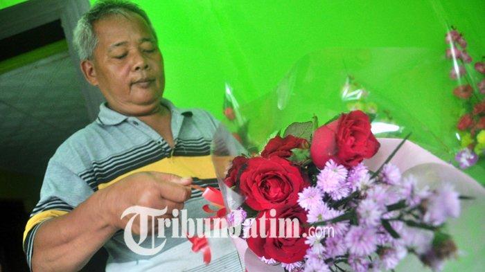 Sebulan Jelang Valentine Day, Para Penjual Bunga Mulai Rempong