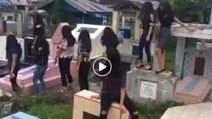 VIRAL VIDEO Gerombolan ABG Joget di Atas Kuburan Sambil Tertawa, Ditonton Ribuan Kali & Panen Protes