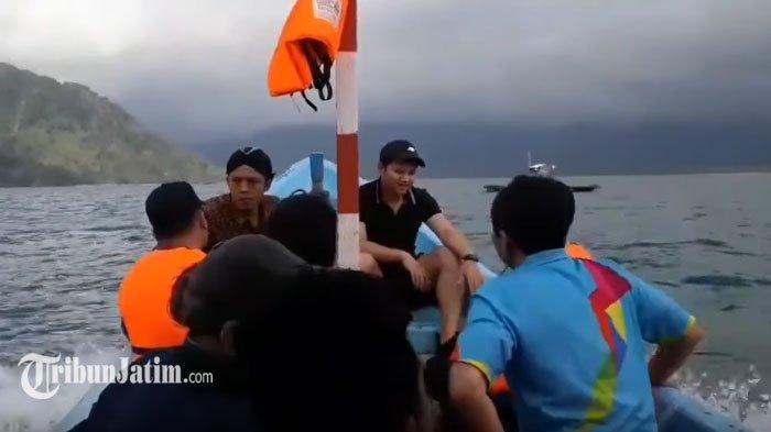 VIDEO: Bisnis Trip Calon Investor di Trenggalek, Naik Perahu Nelayan Jelajahi Pantai di Teluk Prigi