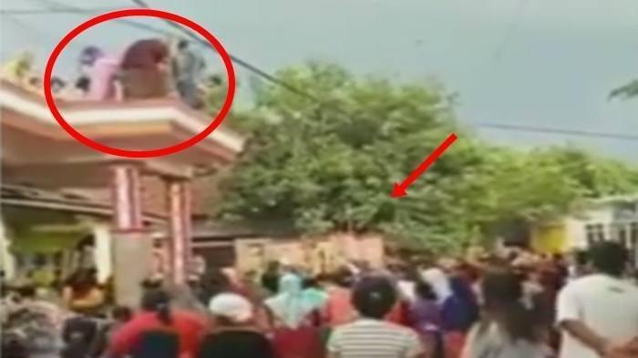 Viral Video Hujan Uang yang Disebut-sebut Terjadi di Probolinggo Ternyata Hoax, Begini Kebenarannya!