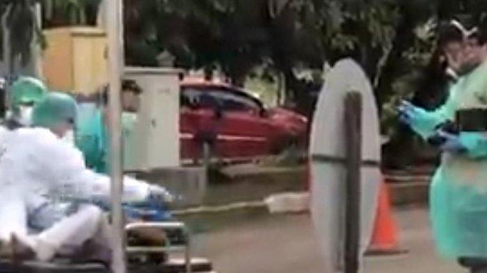 VIRAL VIDEO Penumpang Bus Tewas Dievakuasi Petugas Dikira Korban Covid-19, Simak Fakta Sebenarnya!