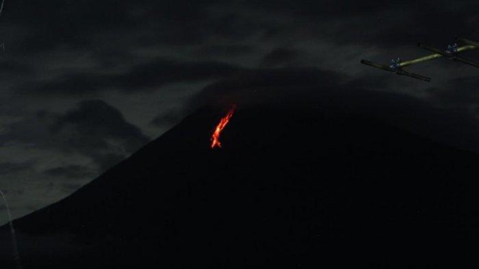 Gunung Semeru Kembali Muntahkan Guguran Lava, Kali Ini 900 Meter