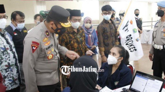 Wakapolda Jatim Tinjau Gerakan Vaksinasi Mahasiswa Nasional di Kampus UIN Malang
