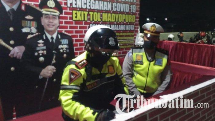 Gunakan Sepeda Motor Polisi, Wakapolresta Malang Kota Lakukan Patroli Malam Takbir