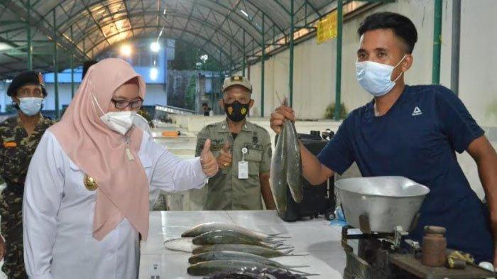 Wakil Bupati Gresik Ning Min Buka Pasar Bandeng Secara Serentak, Ada 10 Titik Lokasi