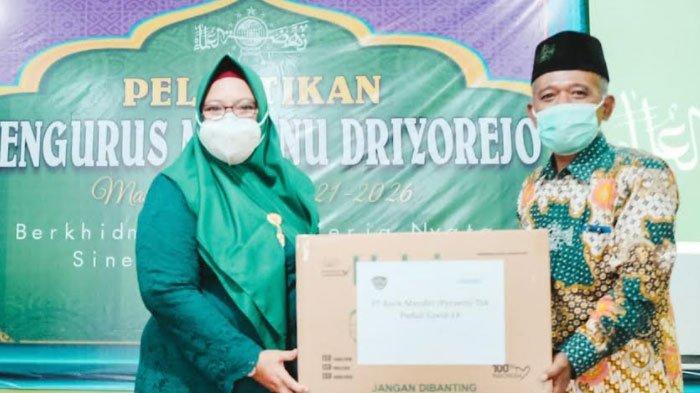 Wakil Bupati Gresik Bagikan Seribu Masker ke MWC NU Driyorejo