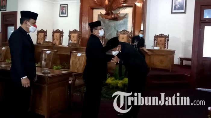 Terpilih Menjadi Wakil Bupati Tulungagung, Gatut Sunu Wibowo Menangis Haru: Saya Tidak Mengira
