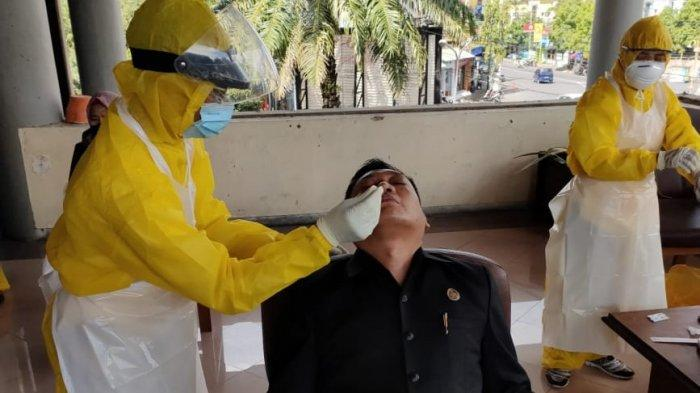 Satu Anggota DPRD Positif Covid-19, Puluhan Orang Ikuti Tes Rapid Antigen
