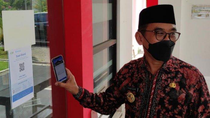 Kantor Kecamatan dan Kelurahan di Kota Blitar Sudah Terapkan Aplikasi PeduliLindungi