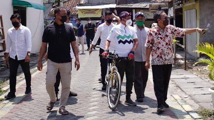 Sambangi Kampung Masa Kecil, Wawali Surabaya Cak Ji Nostalgia Sambil Santap Pecel Bareng Cak Min