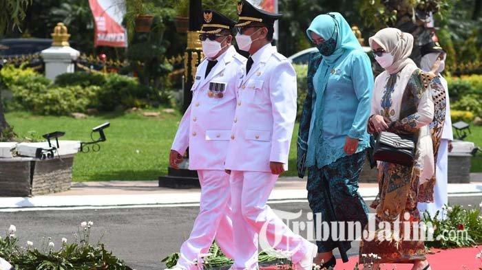 Dilantik Gubernur Jawa Timur, Pasangan Santoso-Tjutjuk Sunario Resmi Pimpin Kota Blitar