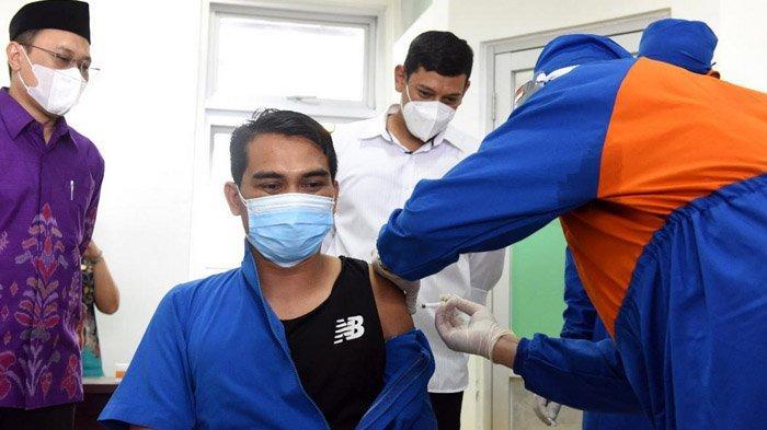 Seusai Forkopimda, Giliran Tenaga Kesehatan di Kota Kediri yang Disuntik Vaksin Covid-19