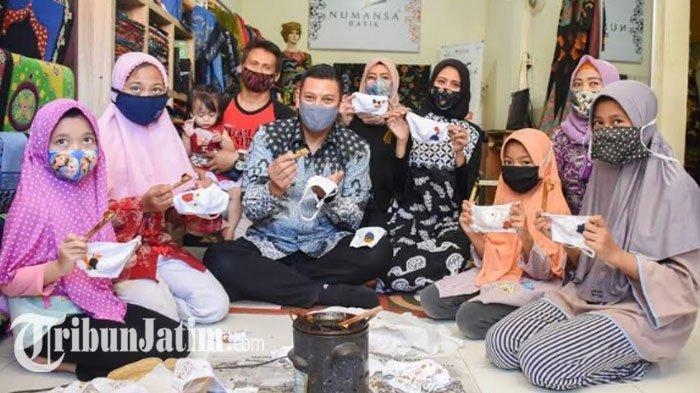 NEWS VIDEO - Hari Batik Nasional, Anak-anak di Kediri Belajar Membatik Masker Bareng Wali Kota