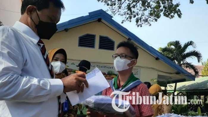 Berdayakan Penjahit, 6 Ribu Siswa Baru di Kota Madiun Dapat Kain Seragam dan Ongkos Jahit