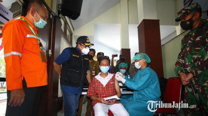 Ratusan Pelajar SMP di Kota Malang Antusias Ikuti Vaksinasi Demi Sekolah Tatap Muka