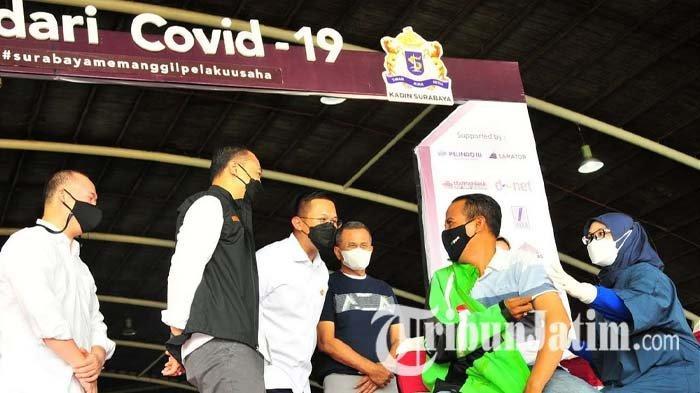 Vaksinasi Covid-19 Massal oleh EO Indonesia East Chapter dan Kadin Surabaya Dihadiri Wali Kota