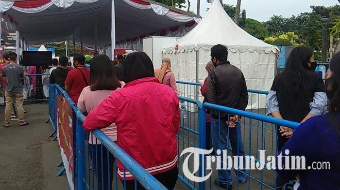 NEWS VIDEO: Suasana Rapid Test Covid-19 Massal di Taman Mundu Surabaya, Peserta Membeludak