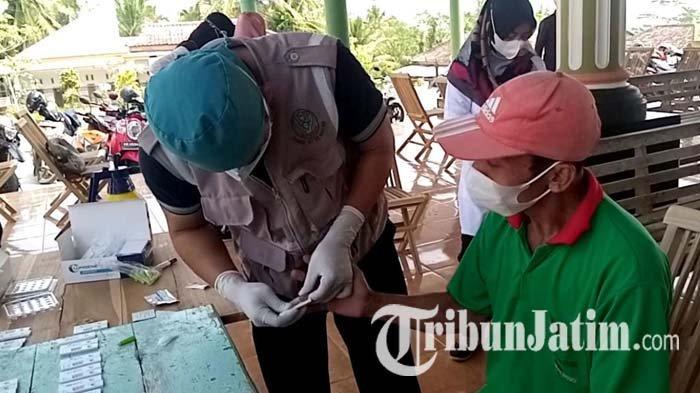 Mempercepat Tracing di Desa Banyuurip Tulungagung, Satgas Covid-19 Bentuk 3 Tim untuk Jemput Bola