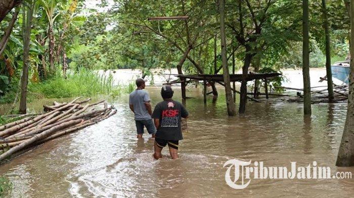 Sungai Brantas Meluap, 1 Warung dan 6 Perahu Penyebrangan di Desa Maesan Kediri Tak Bisa Beroperasi